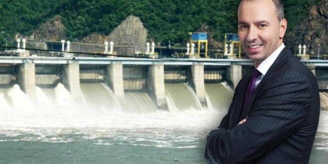 СУКОБ ИНТЕРЕСА! Вучићев кум Никола Петровић је власник седам мини-хидролектрана док је у исто време противзаконито директор ЕМС-а