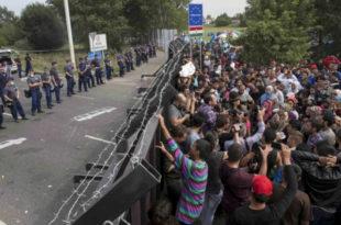 ЕУ: 50.000 избеглица Грцима, 50.000 западном Балкану (читај: Србији)