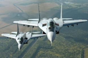 Погледајте како ратна ваздухопловства Русије и Србије бомбардују заједничког непријатеља (видео)