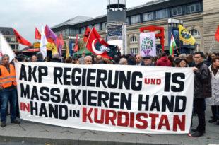 """""""Турска држава је убица"""": Демонстранти у Истанбулу оптужили владу за бомбашки напад"""