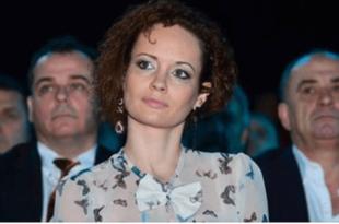 Погледајте и послушајте како изгледа када Андреј Вучић мрачи и облачи по Србији (видео)