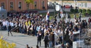 """Орвелова """"Фарма"""" је за Вучићеву Србију ништа више до предшколски уџбеник (фото)"""