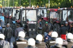 Пољопривредници се прикључују протестима, возила стају у петак 8. јуна 17 часова 2