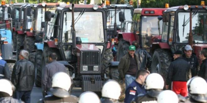 БЛОКАДА ПУТЕВА ИЛИ МАРШ НА БЕОГРАД: Пропали преговори са Вучићевим криминалним режимом, српски сељаци крећу у протест! 1