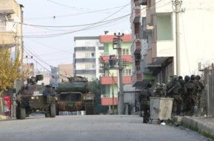 Рат у Турској: Тенкови на улицама, воде се уличне борбе! (видео)