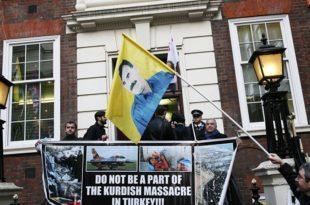 FREE KURDISTAN! Курди блокирали седиште Камеронове партије у Лондону