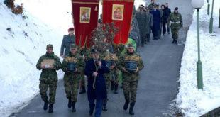 Божићна литија први пут у касарни Војске Србије 7