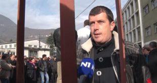 Око 300 радника ФАП-а почело генерални штрајк 11