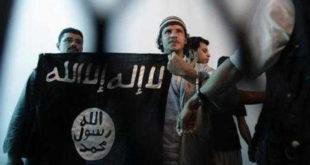 Избеглице у Калеу истакле заставу са симболима Исламске државе 11