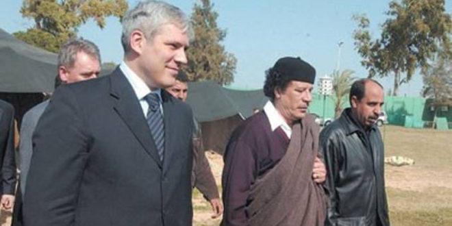 Тадићу, пита те бананамен Дачић да ли сте се ти и Шутановац ужелели Гадафија и Абу Бакра? (фото)