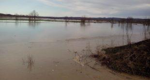Направили дунстери аутопут и насип и тако поплавили земљу која никада није плавила (фото) 13