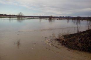 Направили дунстери аутопут и насип и тако поплавили земљу која никада није плавила (фото)
