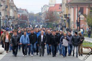 Сомборски пољопривредници протестују: Влада Србије легализује узурпацију пољопривредног земљишта 12