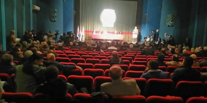 ТОТАЛНИ ФИЈАСКО напредњака и Зоране Михајловић у Зајечару, нису могли да скупе 50 људи да напуне салу (фото)