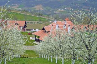 За побољшање материјалног положаја пољопривредника и унапређење развоја села (видео)