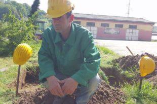 ОЧАЈ У БОСНИ Радници ископали себи гробове у кругу фабрике (видео) 10