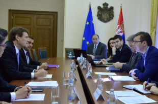 Делегација ММФ проконтролисала како економски убица Вучић пише економски програм своје нове владе 4