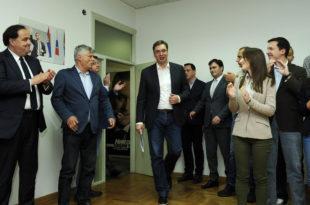 Састала се напредна банда како би се расталила и договорила како да уништи Србију