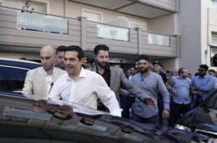 """Ципрас се оградио од народа и изводи """"реформе"""" сличне Вучићевим"""