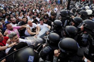 Македонија у политичкој агонији 1