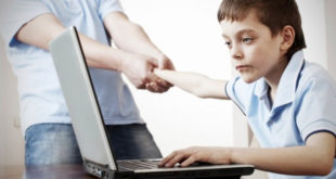 Деца у Србији дневно проводе по три сата на интернету