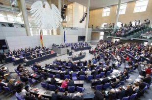 НЕМАЧКИ МЕДИЈИ: Бундестаг пуца по шавовима!