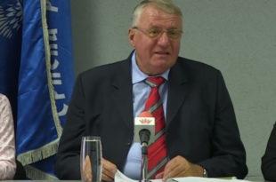 Шешељ: На седници СРС једногласно смо одлучили да се одазовемо позиву мандатара Вучића