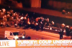 Турска војска отворила рафалну ватру на протестанте у Истанбулу, жестока битка на аеродрому (видео)