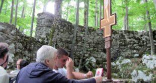 Служењем парастоса побијеним Србима обиљежен дан сјећања на Јадовно 6