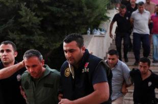 ХАОС У ИСТАНБУЛУ: У нападу на полицију упуцан у главу челник општине 6