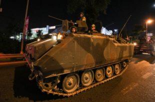 Турска у грађанском рату! Војни авион оборио војни хеликоптер над Анкаром