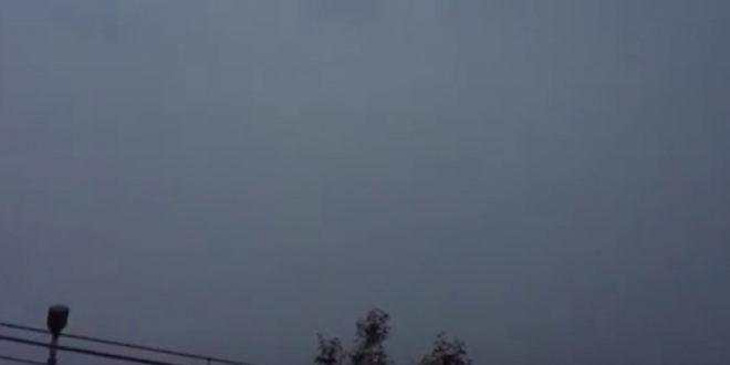 Ево шта је снимљено на небу пре почетка невремена у Скопљу (видео) 1
