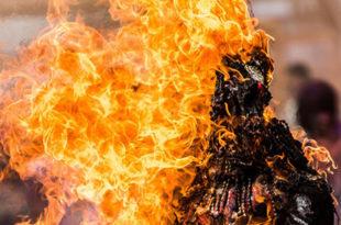 У Перуу једну старију жену живу спалили под оптужбом да призива болести