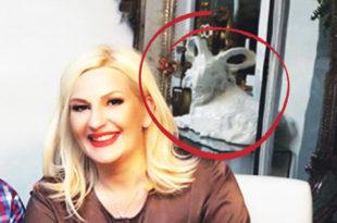 """""""ОНА ВЕЛИЧА САТАНУ"""": Зорана Михајловић у стану држи огромну статуу јарца! (фото)"""