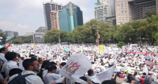 Масовни протести против содомитских бракова у Мексику 10