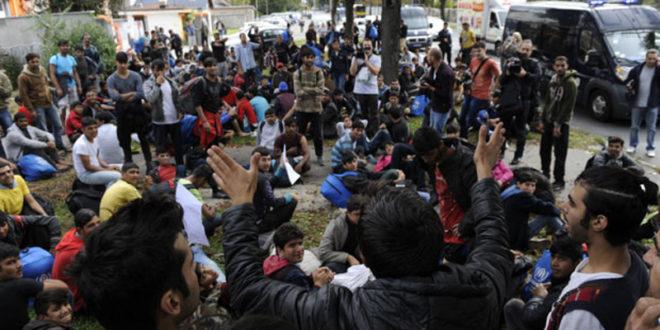 Анархисти покренули мигранте на немире у Београду док српски безбедњаци чешкају јаја и глуме пословну пратњу Сорошу 1