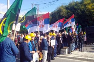 Срби јединствени: Не дамо Трепчу!