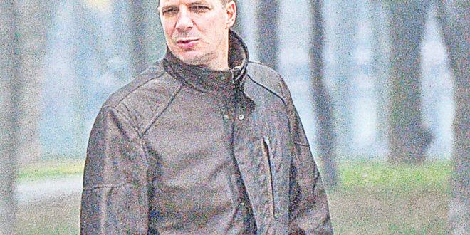 Шта то Андреј Вучић дугује нарко мафији када се како тврди бата Аца нашао на њиховом нишану?