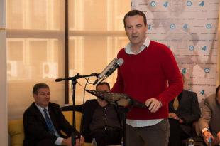 """Божовић: Ђукановић онима које увлачи у своје комбинације говори """"само да завршим са Србима"""""""