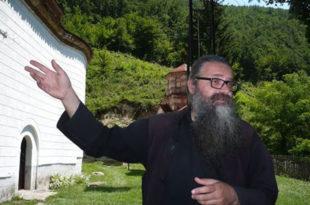Монах Антоније: Циљ скупова треба да је – народно привођење велеиздајника Вучића (видео)