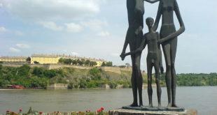 НАПРЕДЊАЧКА ФУКАРО! Зна ли народ да у Војводини тренутно нема ни 1.500 српских војника под оружјем? 3