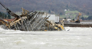 КАД НЕПРЕДИ ЗГУБИДАНИ ГРАДЕ: Срушен стуб новог моста преко Дрине 11