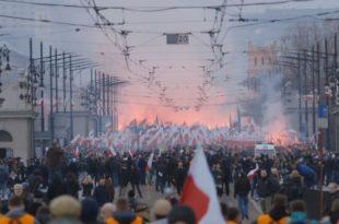У маршу пољских националиста у Варшави учествовало 100.000 људи