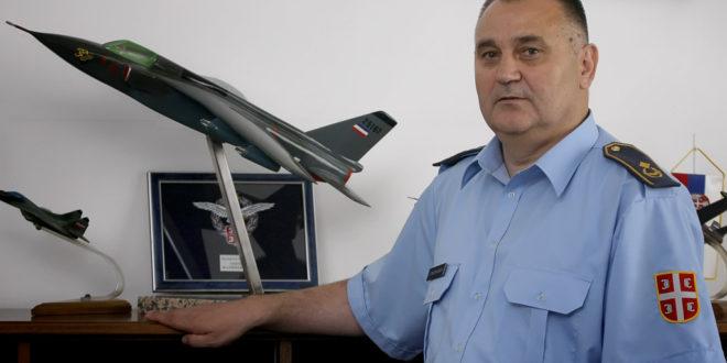 """Психопата Вучић оптужио генерала Малиновића да је """"жути НАТО генерал"""" иаоко је он као пилот јуришне авијације бранио српско небо"""