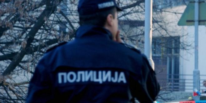 Српска полиција је у пуном расулу: Пију, бију, газе, шенлуче и напредују