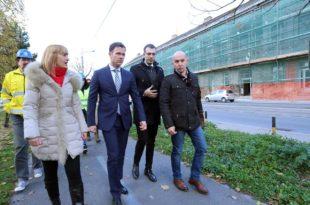 Пиштаљка: Намештен тендер за набавку београдске новогодишње расвете?