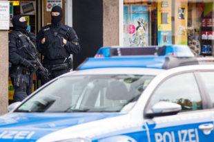 СТРАХ ОД ТЕРОРИЗМА: Појачане мере безбедности у западноевропским градовима