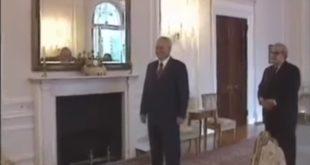 ЕКСКЛУЗИВНО: Слободан Милошевић - са страним делегацијама, ћаскање са камерманом (видео) 7