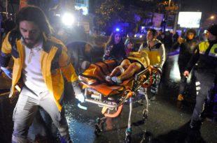 У ноћном клубу у Истанбулу терориста обучен као Деда Мраз убио 39 посетилаца, а преко 40 ранио 4