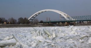 Лед на рекама може да утиче на снабдевање и цене горива 4